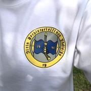 asehistoriallinen paidassa